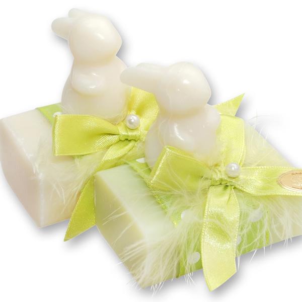 Schafmlichseife eckig 100g, dekoriert mit Seife Hase Langohr 23g, Classic/Wiesenblume